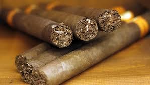EL ARTE DE FUMAR UN PURO